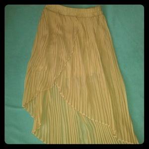 Akira Hi lo pleated skirt